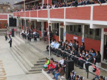 Hommage aux professeurs et administrateurs - Pérou